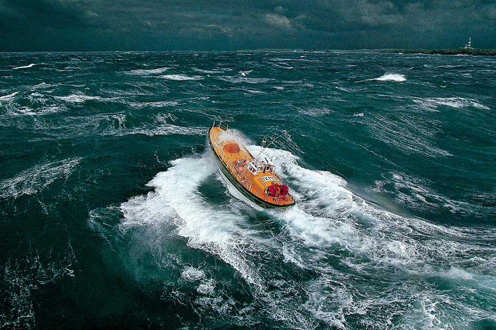 bateau sauvetage tempête philip plisson