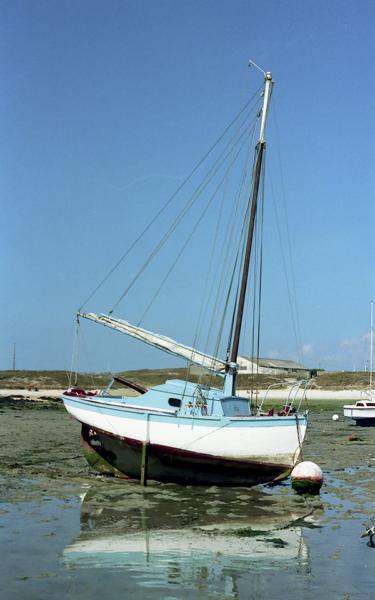 Valbelle canot semi-ponté cotre
