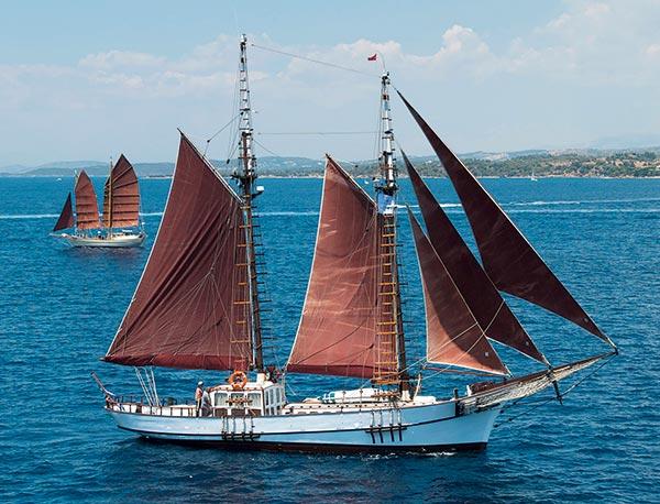Caïques Grèce, bateaux traditionnels Grèce, bateaux antiquités Grèce