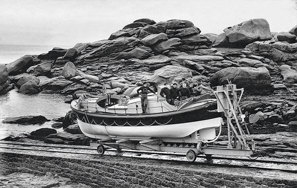 Aimée hilda Ploumanac'h, canot de sauvetage, canot de sauvetage breton, restauration canot sauvetage