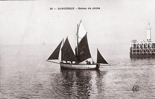 Lougre Dunkerque sortant du port