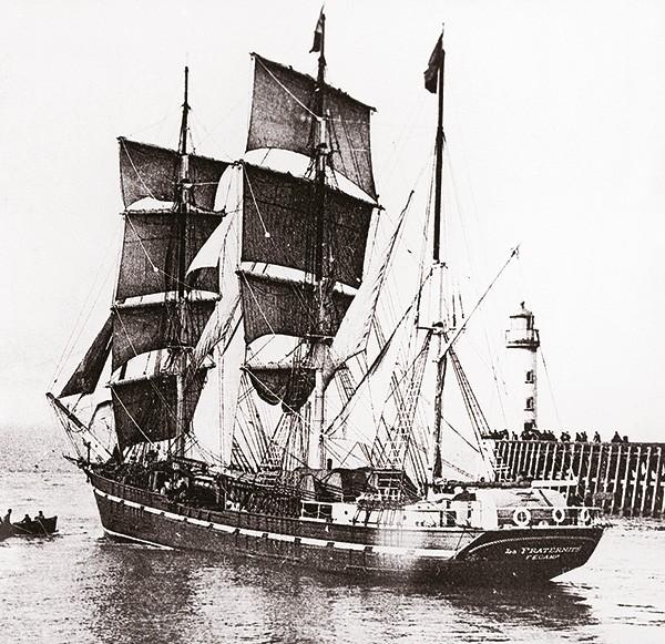Photo trois-mât sortie port Fécamp
