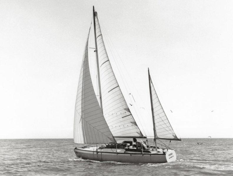 Architecte naval, voyage Trekka, voyage Sopranino, Junior Offshore Group, Patrick Ellam, John Guzzwell