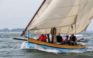 Catalina, premier bateau restauré par l'association Aventure pluriel, ici à la Semaine du golfe en 2015