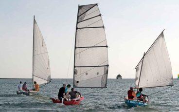 Naviguer léger à trois bateaux