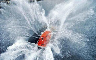 Mise à l'eau d'un canot de sauvetage