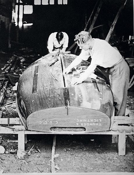 Réfection d'une coque, 1938