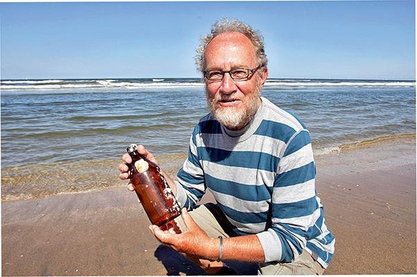 Un bouteille à la mer retrouvée sur une plage