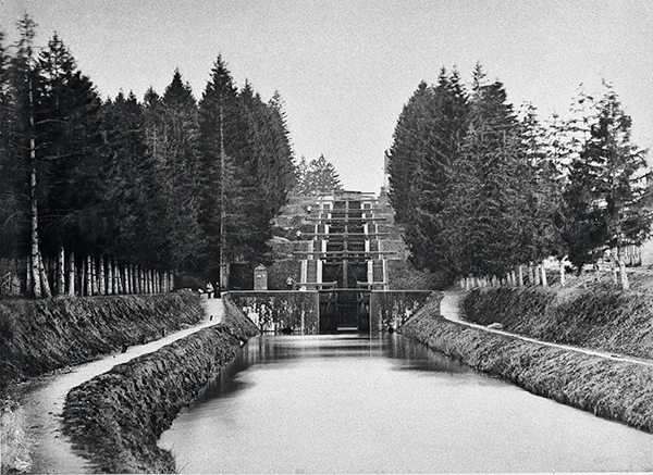 écluse à escalier de Rogny-les-Sept-Écluses