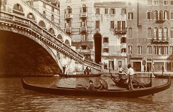 Photo des gondoles à venise début 1900