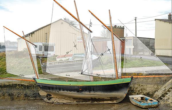 Photo bateau à sec et voilure imagée