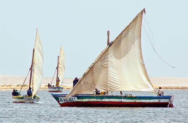 bateau mauritanien sous voiles