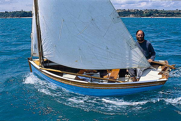 Xavier Buhot Launay sur son bateau