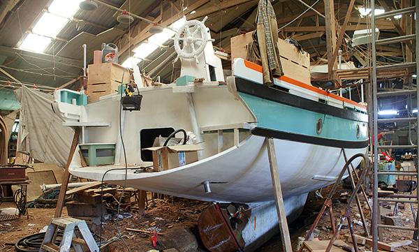 Arrière d'un bateau en bois