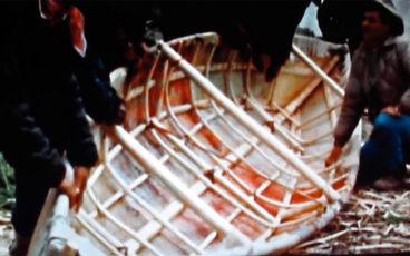 canoë en peau d'orignal, Canada