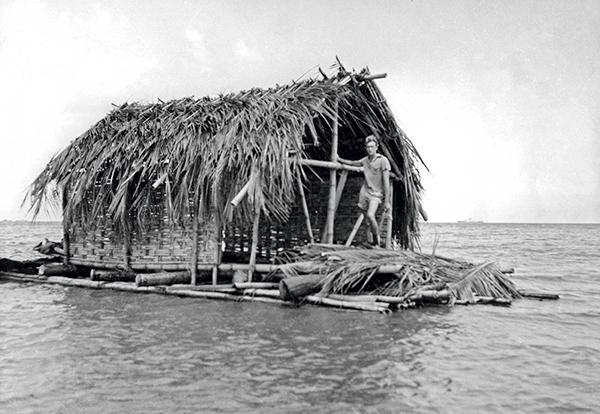 bateau maison en bois