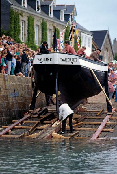 bateau prêt à être mise à l'eau
