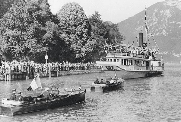 trois bateaux sur le lac annecy