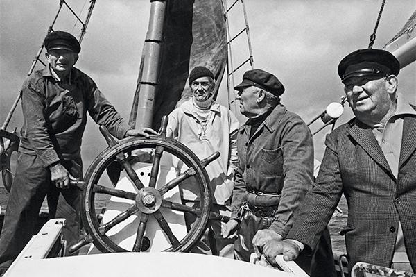4 marins à bord d'un dundée