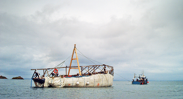 bateau remorqué