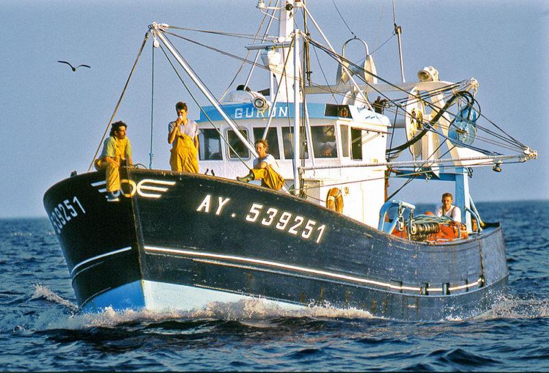 bateau de peche de retour