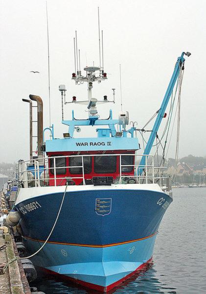 bateau de peche à quai