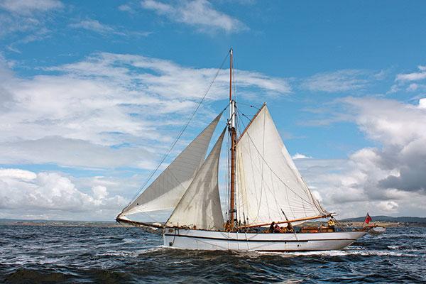 bateau sous voiles