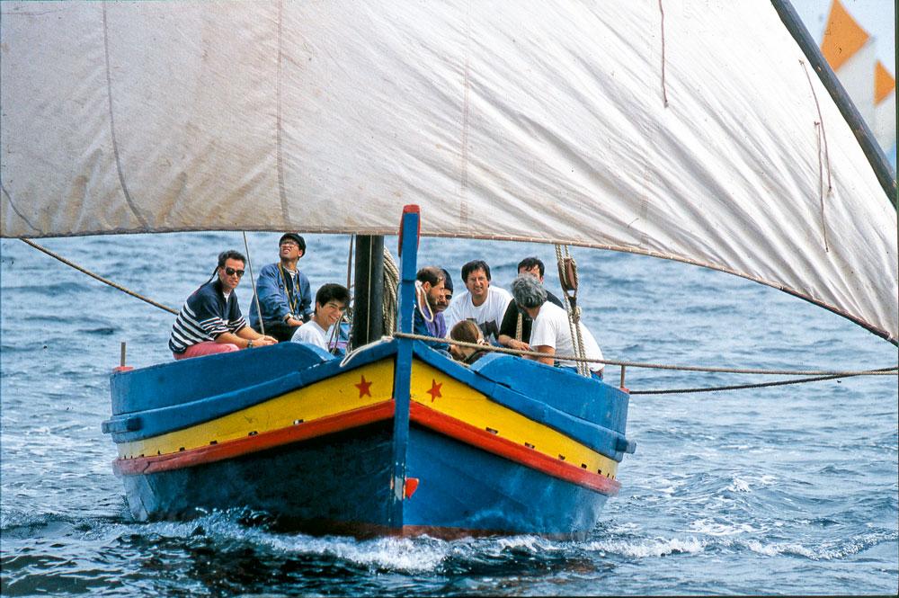 Navigation Méditerranée, voile latine, Bateau Bernard Vigne