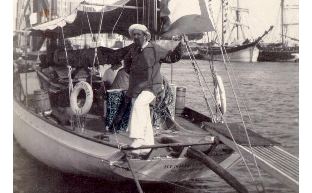capitaine à bord d'un yacht