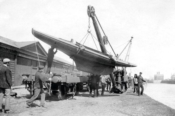le premier bod est livré par chemin de fer sur les bords d'Oulton Broad au début de l'année 1901.