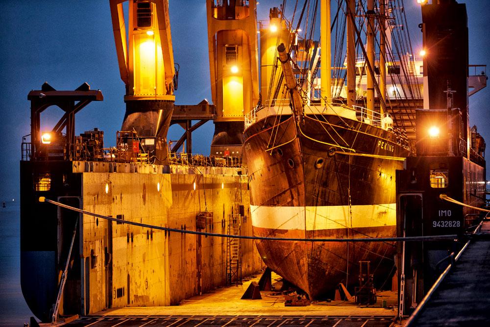 Le quatre-mâts barque Peking,