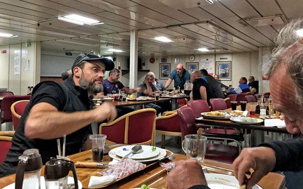 le repas des passagers à bord du Drujba.