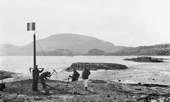 Une mission de marins français sur les îles Kerguelen le 8 janvier 1893.