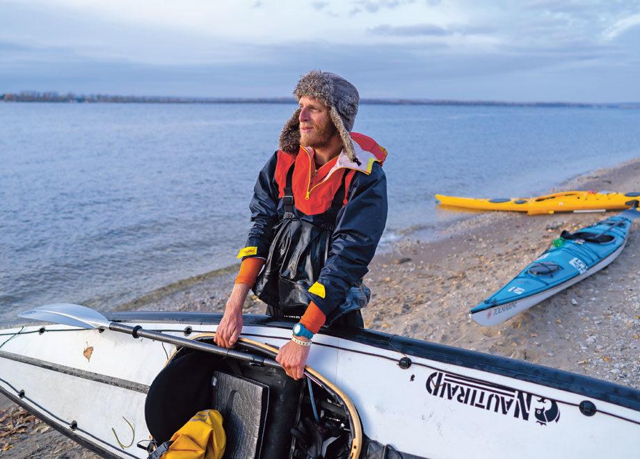Parti à la fin de l'été, Adrien Clémenceau a suivi près de trois mois durant le cours du grand fleuve russe.