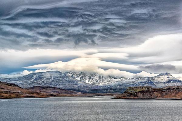 Ce fjord s'enfonce profondément dans les terres en amont de Port-Jeanne-d'Arc.