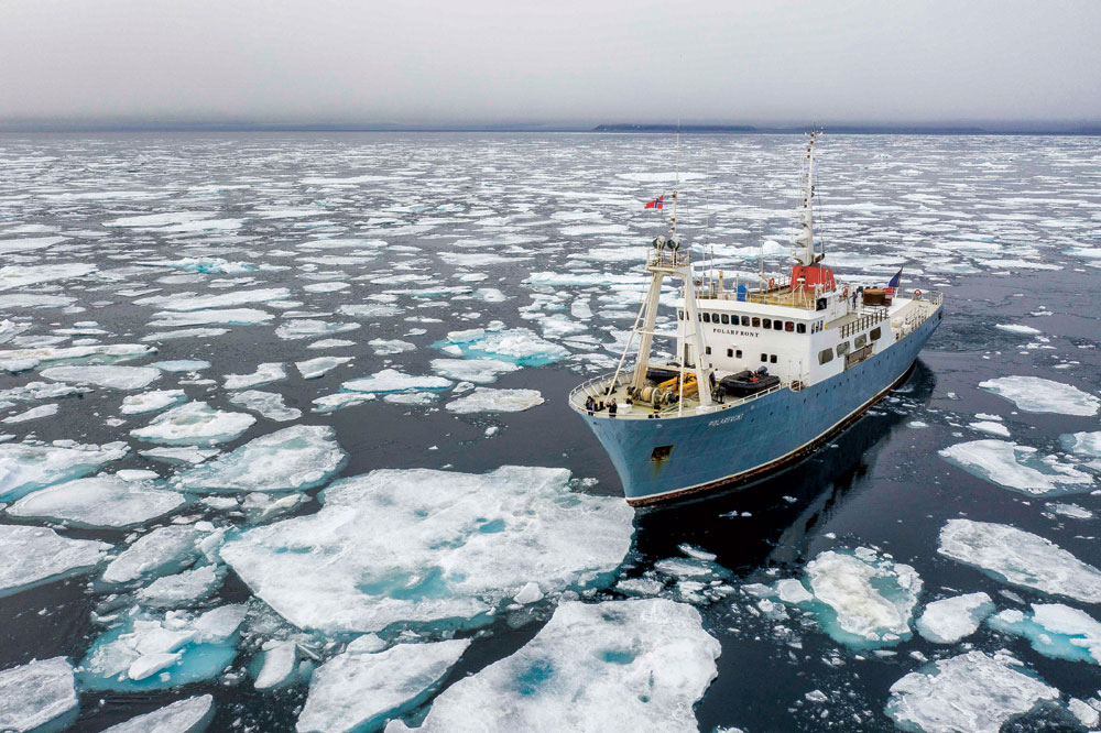 54 mètres de long pour 10 mètres de large, une coque à l'épreuve des glaces, un entretien parfait…