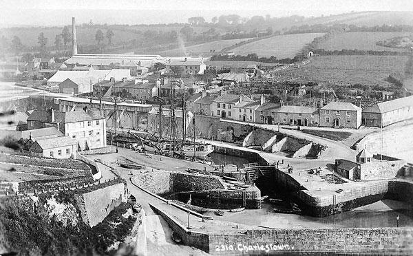 Oosterschelde dans le port de Charlestown, en Cornouailles britanniques, pour un chargement de kaolin vers 1928.