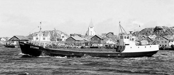 À Skärhamn, en 1963. Le Sylvan est modernisé régulièrement, avec une passerelle mieux équipée, toute fermée, abritant de nouveaux emménagements, et même un nouvel avant, construit aux chantiers de Marstrand en 1962.