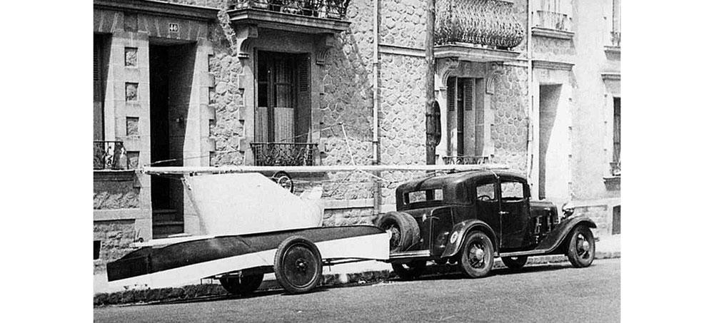 L'ingénieur naval Jean Castex conçoit et lance en 1934 son catamaran démontable et transportable en Duralumin Alucat.
