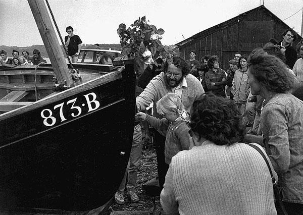 Au printemps 1984, le canot est baptisé Les trois sœurs